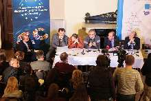 lviv_panel_debate.jpg (274.19 Kb)